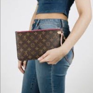 LV MM neverfull pouch